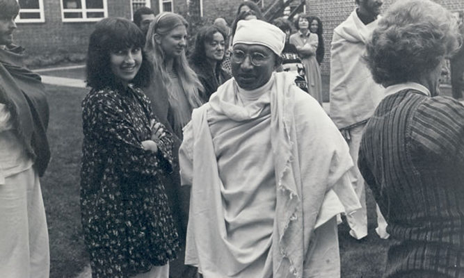 Munindraji at IMS, 1978. Sharon Salzberg is on the left, and Joseph Goldstein is at the back on the right.