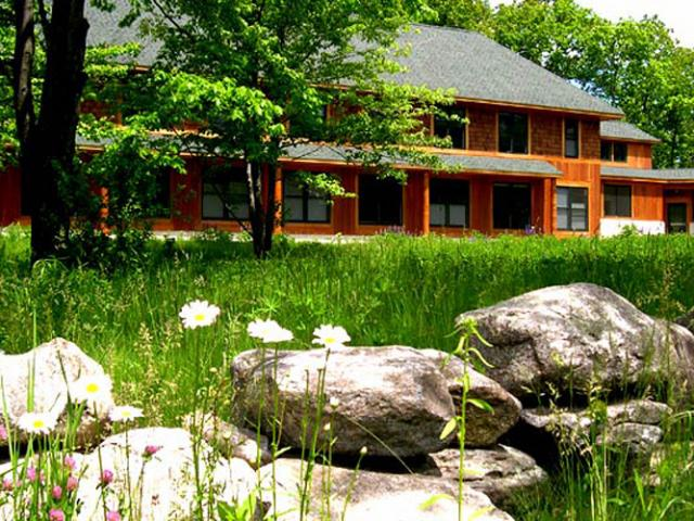 T15 The Forest Refuge offers experienced meditators the chance to explore a less structured form of retreat.